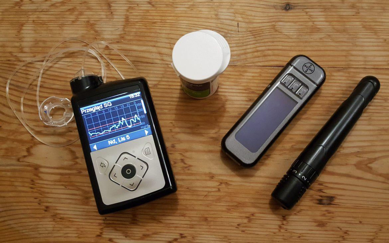 pompa insulinowa, glukometr, nakłuwacz, paski testowe Matka Aptekarka