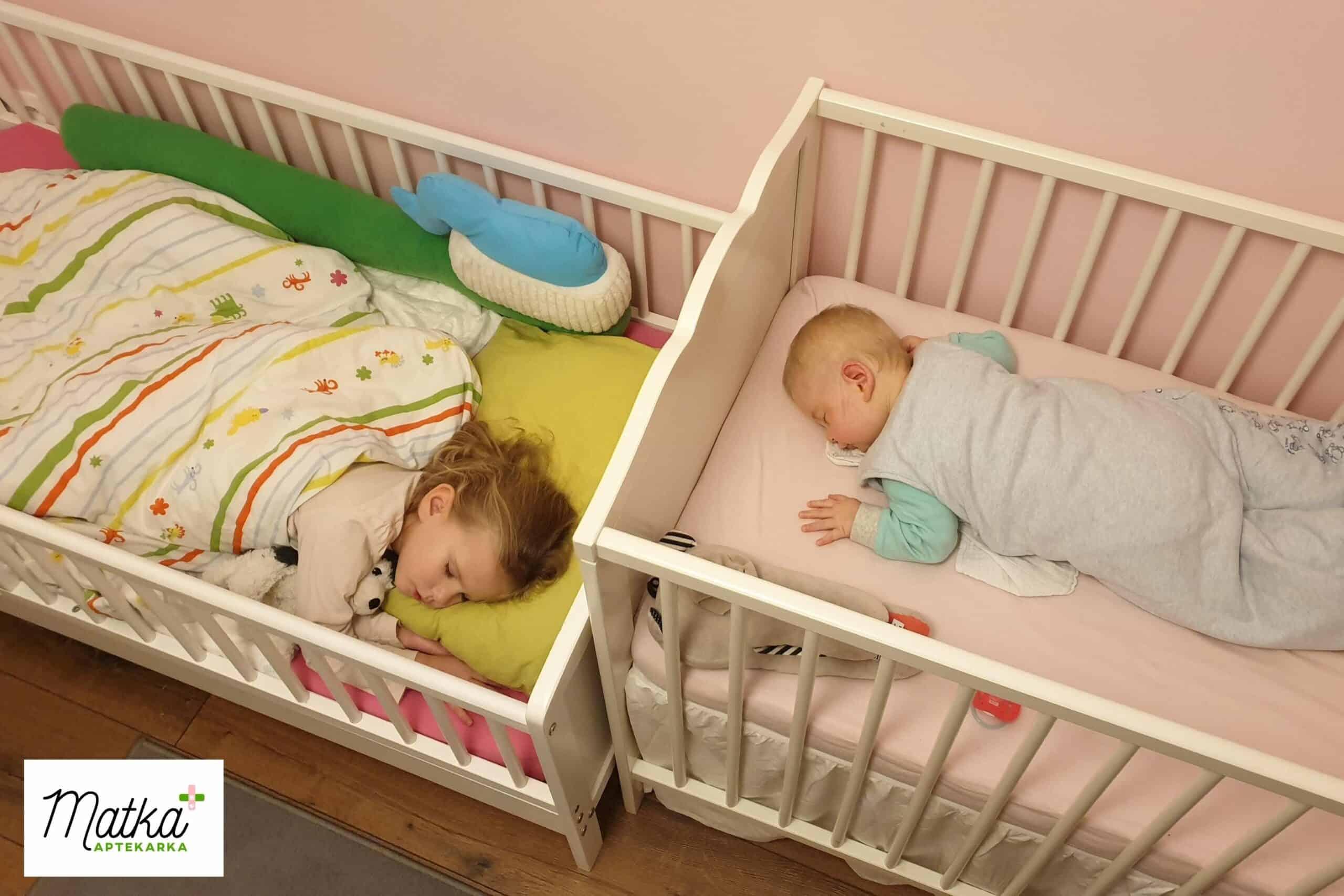 zdrowy sen, bezpieczne łóżeczko niemowlaka, bezpieczne łóżeczko dziecka Matka Aptekarka