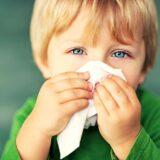 Katar u dziecka, katar u niemowlaka, jak radzić sobie z katarem u dziecka, aspirator, kolor kataru, wodnisty katar, gęsty, zielony katar, Matka Aptekarka